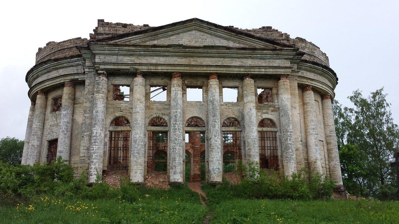 Разрушенная церковь Пятая гора