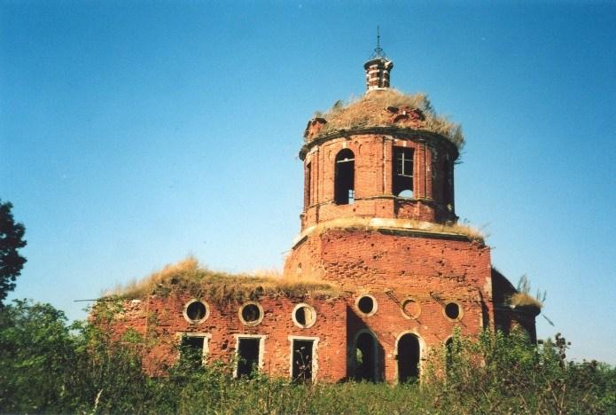 Разрушенная церковь Семьянь