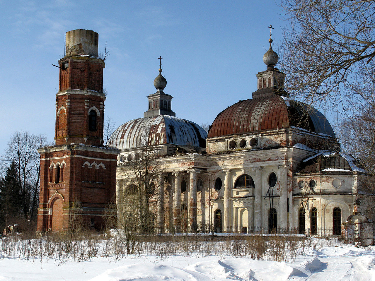 Разрушенная церковь Ярополец